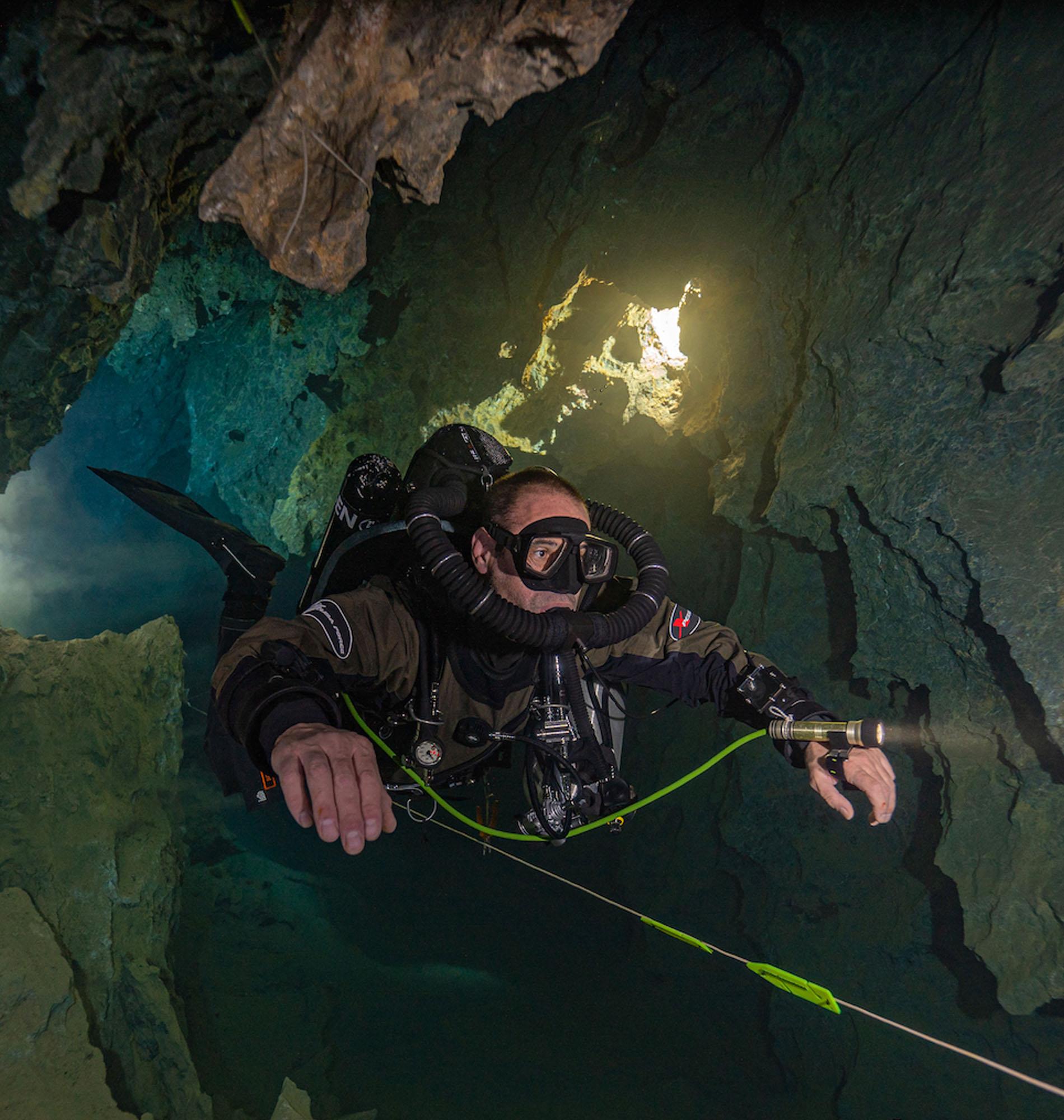 Cave Diving CCR SF2 in Cueva Del Agua, Spain